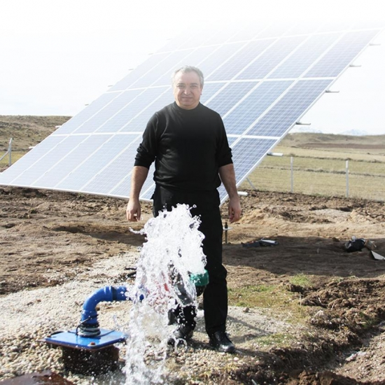 Buy Deep Well Submersible Solar Water Pump System For