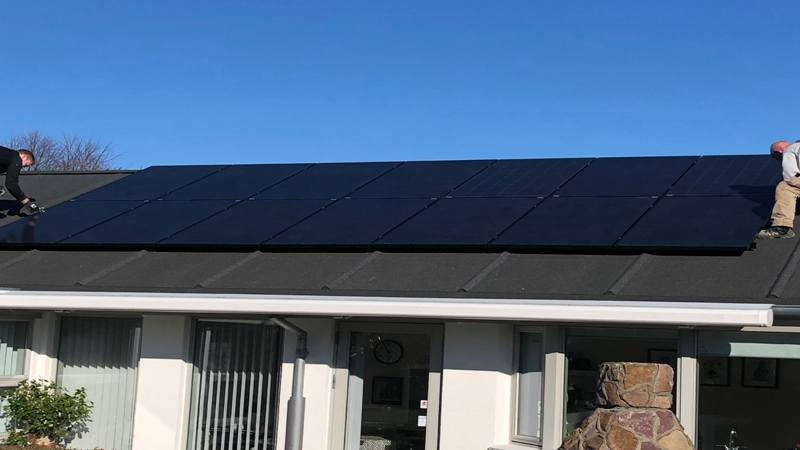 Full Black PV Module Storage Solar Power System 8.3kw Home Use in Denmark